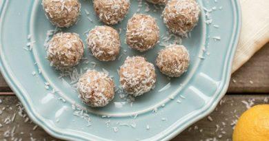 """Ніжні цукерки з сиру за 5 хвилин — виходять смачнішими за """"Баунті"""""""