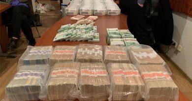 Під час обшуків у брата скандального судді Вовка знайшли понад 5 мільйонів доларів та антикваріат