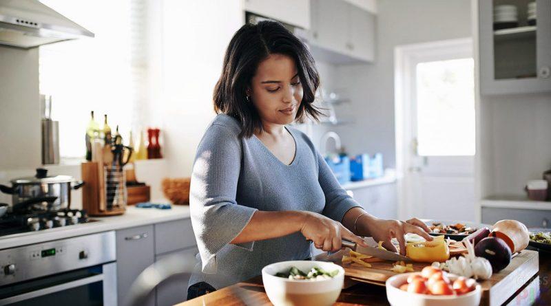 Моє подружнє життя врятувала газета «Домашня кулінарія». Зараз навіть на весілля готую